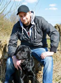 Markus Grimm + Labrador Boog